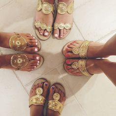 Jack Rogers are the perfect summer sandal! Women's Shoes, Sock Shoes, Cute Shoes, Me Too Shoes, Prep Style, My Style, Boho Style, Estilo Preppy, Palm Beach Sandals