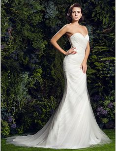 Slim A-line Sweetheart Court Train Tulle Wedding Dress (1828038)