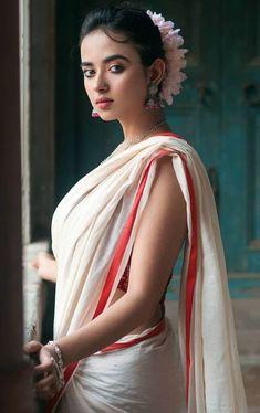Indian Desi beauties – Indian Desi Beauty – Indian Beautiful Girls and Ladies Beautiful Girl Indian, Beautiful Saree, Beautiful Indian Actress, Beautiful Actresses, South Indian Actress, India Beauty, Asian Beauty, Indian Beauty Saree, Models