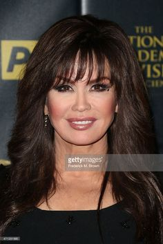 Marie Osmond Photos - Actress Marie Osmond poses in the press room during The Annual Daytime Emmy Awards at Warner Bros. Studios on April 2015 in Burbank, California. - The Annual Daytime Emmy Awards - Press Room Marie Osmond Hot, Long Hair With Bangs, Actrices Hollywood, Asian Hair, Layered Haircuts, Bad Hair Day, Hair Dos, Thing 1, Your Hair