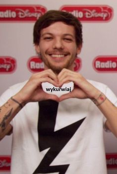 e Fifth Harmony memes, eveeer - 126 One Direction Harry Styles, One Direction Memes, Celebrity Memes, Weekend Humor, 5sos Memes, Wattpad, 1d And 5sos, Everything And Nothing, Louis Williams