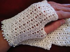 Small Lace Fingerless Mitts crochet pattern by Lara Sue