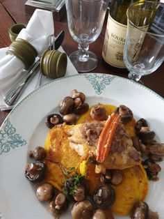 Butternut squash pancakes with sage, mushrooms and chicken supreme Chicken Supreme, Butternut Squash, Vegetable Recipes, Starters, Family Meals, Sage, Side Dishes, Pancakes, Stuffed Mushrooms