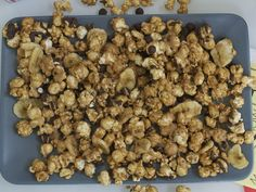 Popcorn with Chocolate Chips - QueRicaVida.com