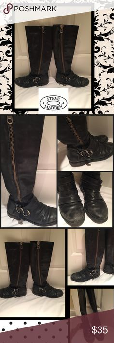 ✴️Steve Madden leather Moto boots✴️ Black leather boots w side zipper. Has buckle design at bottom of boot. Definite ware but still looks fabulous on! Steve Madden Shoes Combat & Moto Boots