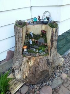 Stump Fairy Garden | Beautiful and Cheap DIY Project for Spring by DIY Ready at http://diyready.com/fairy-garden-ideas/
