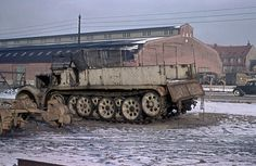"Schwerer Zugkraftwagen 18-ton (Sd.Kfz. 9) ""FAMO""  Winter 1945/46, Denmark: 233. Panzer-Division."