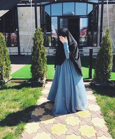 Niqab Fashion, Modern Hijab Fashion, Stylish Hijab, Hijab Chic, Beautiful Muslim Women, Beautiful Hijab, Hijabi Girl, Girl Hijab, Muslimah Clothing