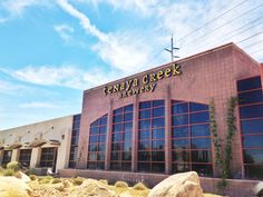 where to drink craft beer in las vegas- Todd English PUB and the Public House are near the strip