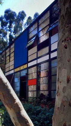 Landmark Houses: The Eames House