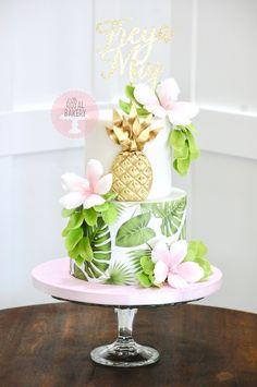 26th Birthday, Luau Birthday, Birthday Cake, Gold Pineapple, Pineapple Cake, Hibiscus Cake, Luau Party, Tropical Leaves, Custom Cakes