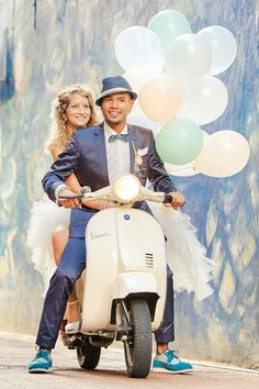 Op een Vespa, écht Italiaans! Foto: Gerard Nell www.kiekieblog.eu - Pin by FestAmore Weddings www.festamore.nl