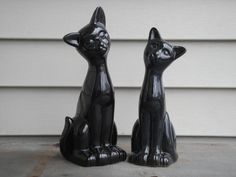 Vintage black ceramic cats, Set of (2) cat figurines, mod cats, black cat statues, shiny black cats by TeaStainedLace on Etsy