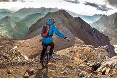 Lutz Eichholz hace monociclo de descenso© Jakob Weichenberger/Caters /IPA