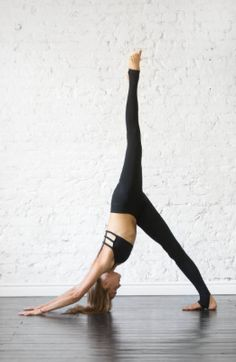 Yoga Exercises: 10 Poses For Firm Firm Abs – Pistachiu – Fitness training Yoga Meditation, Yoga Flow, Yin Yoga, Yoga Routine, Yoga Inspiration, Yoga Fitness, Yoga Mode, Hard Yoga, Advanced Yoga