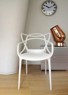 """Masters chair, designed by Philippe Starck  Muchas más imágenes como ésta las puedes encontrar en el apartado de """"Recortes"""" del """"Blog de Creatividad de Marielo García"""""""