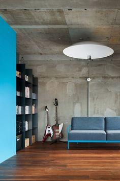 Concrete ans blue lines