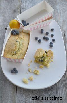acqua e farina-sississima: plum cake all'acqua con mirtilli