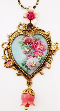 Michal-Negrin-Victorian-Style-Roses-Cameo-Crystals-Heart-Pendant-Necklace