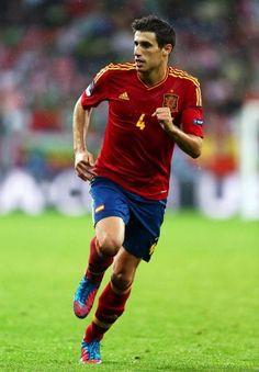 Barcelona, Bayern Munich, Manchester City and Real Madrid all want Javi Martinez