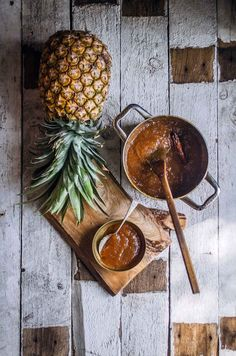 A soft, golden cake filled with pineapple jam spiked with cloves. This is semita de piña from El Salvador. Cooked Pineapple, Pineapple Jam, Semita Recipe, Food Photography Styling, Food Styling, Salvadorian Food, Golden Cake, Small Bakery, Arts And Crafts For Teens