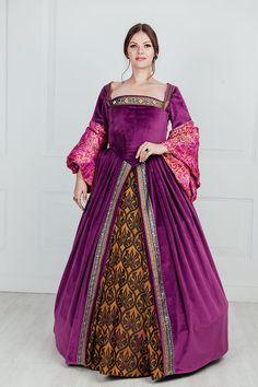 Renaissance Clothing, Renaissance Fashion, Anastasia Dress, Satin Dresses, Gowns, Tudor Dress, Tudor Fashion, Medieval Fantasy, Vintage Clothing