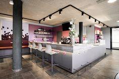 sky & sun café - Möbelbau Breitenthaler, Tischlerei Sun Cafe, Kitchen Island, Table, Furniture, Home Decor, Carpentry, Island Kitchen, Decoration Home, Room Decor