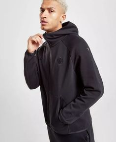 310a93d2b Layer up and show your support with this men's Manchester City FC Tech Fleece  Hoodie from