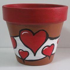 Corazones Flower Pot Art, Flower Pot Design, Flower Pot Crafts, Clay Pot Projects, Clay Pot Crafts, Shell Crafts, Painted Plant Pots, Painted Flower Pots, Ceramic Pots