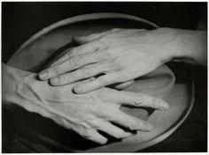 cavetocanvas:  Berenice Abbott, Hands of Jean Cocteau, 1926