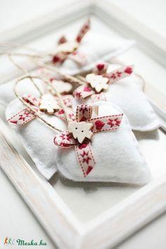 Karácsonyi filc szívek (SamySeven) - Meska.hu