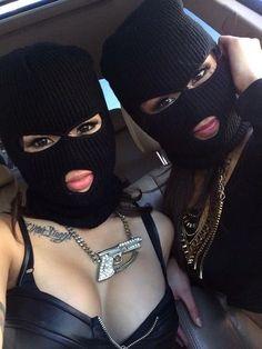 Kuvahaun tulos haulle squad pictures of girls gangsta Gangsta Girl, Fille Gangsta, Bff Goals, Best Friend Goals, Squad Goals, Mode Rihanna, Thug Girl, Mask Girl, Halloween Disfraces