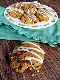 Pocketfuls: Carrot Cake Oatmeal Cookies (gluten-free, vegan)