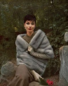 Model in Cerulean EMBA mink stole by Maurice Kotler, photo by Virginia Thoren, 1957