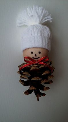 Christmas characters made with pine cones! Here are 15 ideas to inspire you . : Christmas characters made with pine cones! Here are 15 ideas to inspire you … – basteln – Pinecone Crafts Kids, Pinecone Ornaments, Christmas Ornament Crafts, Kids Christmas, Handmade Christmas, Holiday Crafts, Christmas Wreaths, Christmas Decorations, Pine Cone Crafts For Kids