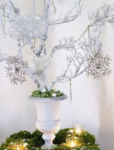 cool 46 Stylish Silver and White Christmas Table Centerpieces Ideas French Christmas Decor, Elegant Christmas Decor, Christmas Decorations For The Home, Noel Christmas, White Christmas, Christmas Ideas, Classy Christmas, Vintage Christmas, Xmas