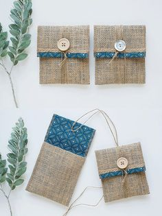 Burlap USB Packaging Pouch Blue by LakariCreativeStudio on Etsy Burlap Crafts, Fabric Crafts, Diy And Crafts, Crafts For Kids, Paper Crafts, Sewing Art, Sewing Crafts, Sewing Projects, Usb Packaging