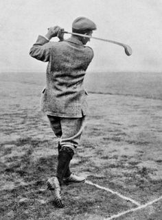 Harry Vardon (May was a Jersey professional golfer and member of the fabled Great Triumvirate of the sport in his day, along with John Henry Taylor and James Braid. He won The Open Championship a record six times and also won the U. Golf Images, Sports Images, Golf 7 R, Play Golf, Legend Of Bagger Vance, Hickory Golf, Golf Knickers, Golf Simulators, Vintage Golf