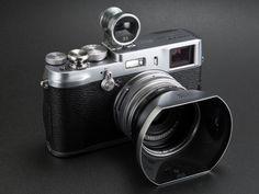 シルバーボディのカメラは、やはりシルバーベースのアクセサリーがよく似合う