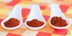 El pimentón molido dulce, el picante y el ahumado es el polvo del pimiento rojo que se obtiene a partir del fruto seco y molido.