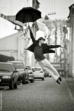 Russian Photographer Vitaly Sokolovsky captured acrobatic movements of professional dancers for a photo series called Dance Petersburg. Rain Dance, Dancing In The Rain, Dance Art, Umbrella Dance, Black Umbrella, Shall We Dance, Lets Dance, Poses, Art Et Design