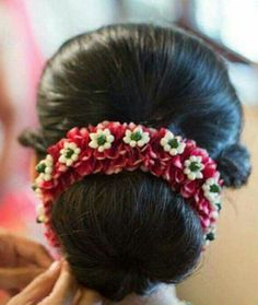 New Makeup Ideas For Work Pony Tails Ideas Bridal Hair Buns, Bridal Hairdo, Wedding Hair Flowers, Flowers In Hair, Marigold Wedding, Wedding Bun, Bridal Flowers, Wedding Card, Wedding Makeup