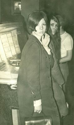 1965 NOTTINGHAM MOD GIRLS at the Juke Box listening to SUGAR PIE DESANTO. Pictures by Maurice Moore. check out his blog.