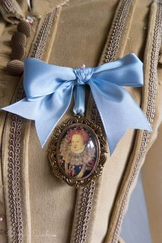 historical sewing tutorial American Duchess:Historical Costuming: V101: How to Make Miniature Portraits | Historical Costuming and sewing  by designer Lauren Reeser