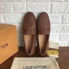 2d5da8fa8243 Louis Vuitton lv man shoes leather loafers 140