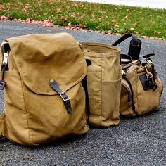 The other bags for life in the traditional contrasting tan color. Filson Daypack for trekking, Tote for toting, and 266 Sportsman for the gym #filson #filson1897 #madeinseattle #buyitforlife #madeintheusa