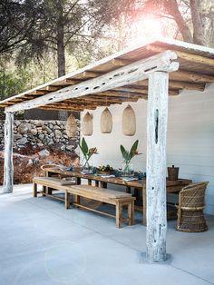 my scandinavian home: 7 Boho Ideas for Outdoor Spaces (Big and Small)! my scandinavian home: 7 Boho Ideas for Outdoor Spaces (Big and Small)! Outdoor Rooms, Outdoor Gardens, Outdoor Pergola, Pergola Kits, Outdoor Living Spaces, Backyard Patio, Small Pergola, Diy Pergola, Rustic Outdoor Spaces