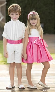Christian e Chloe Lightwood Santiago Little Girl Models, Little Girl Fashion, Little Girl Dresses, Boy Fashion, Girls Dresses, Flower Girl Dresses, Twin Outfits, Cute Outfits For Kids, Beautiful Children