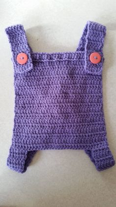 Free crochet Toy baby Carrier pattern by Addicted 2 the hook Baby Doll Clothes, Crochet Doll Clothes, Doll Clothes Patterns, Crochet Dolls, Doll Patterns, Crochet Patterns, Cute Crochet, Crochet For Kids, Toy Baby Carrier