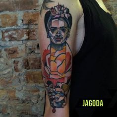 #fridakahlo in #salvadordali 's rose @jagoda_gulestus #salvadordalí #frida #cubism #illustration #youngart #modernart #artmoderne #artmoderna #art #arte #tattoo #tattoos #tattooart #tattooartist #moderntattoo #kunst #abstracttattoo #geometrytattoo #gulestus #warsaw #warszawa #tattooshop